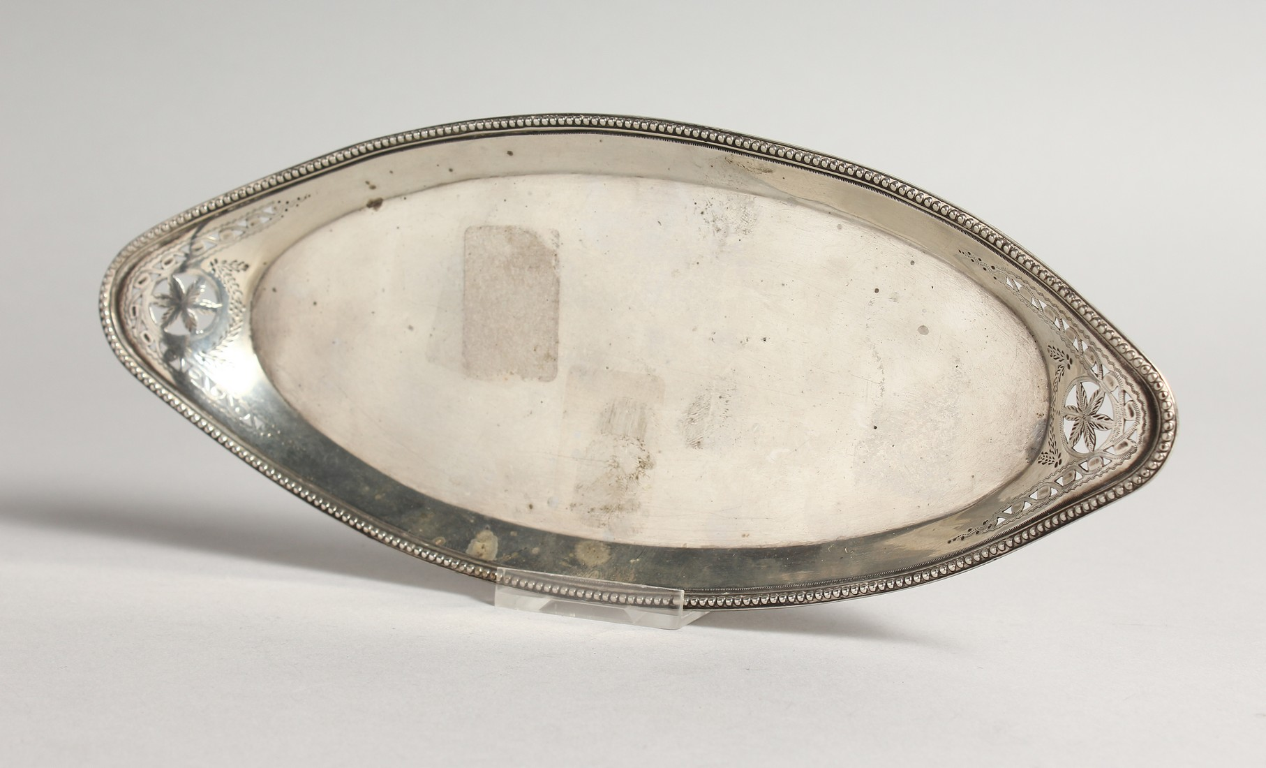 A GEORGE III OVAL SILVER SERVING TRAY London 1782,