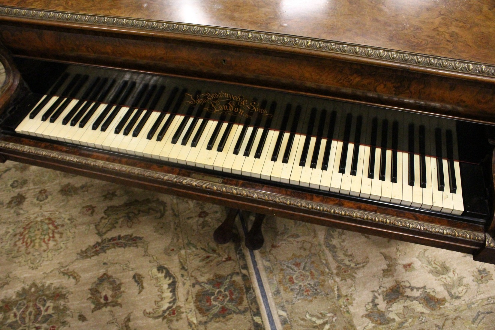 JOHN BROADWOOD & SONS, A good late 19th Centruy figured walnut Grand Piano, on turned and tapering - Image 2 of 19