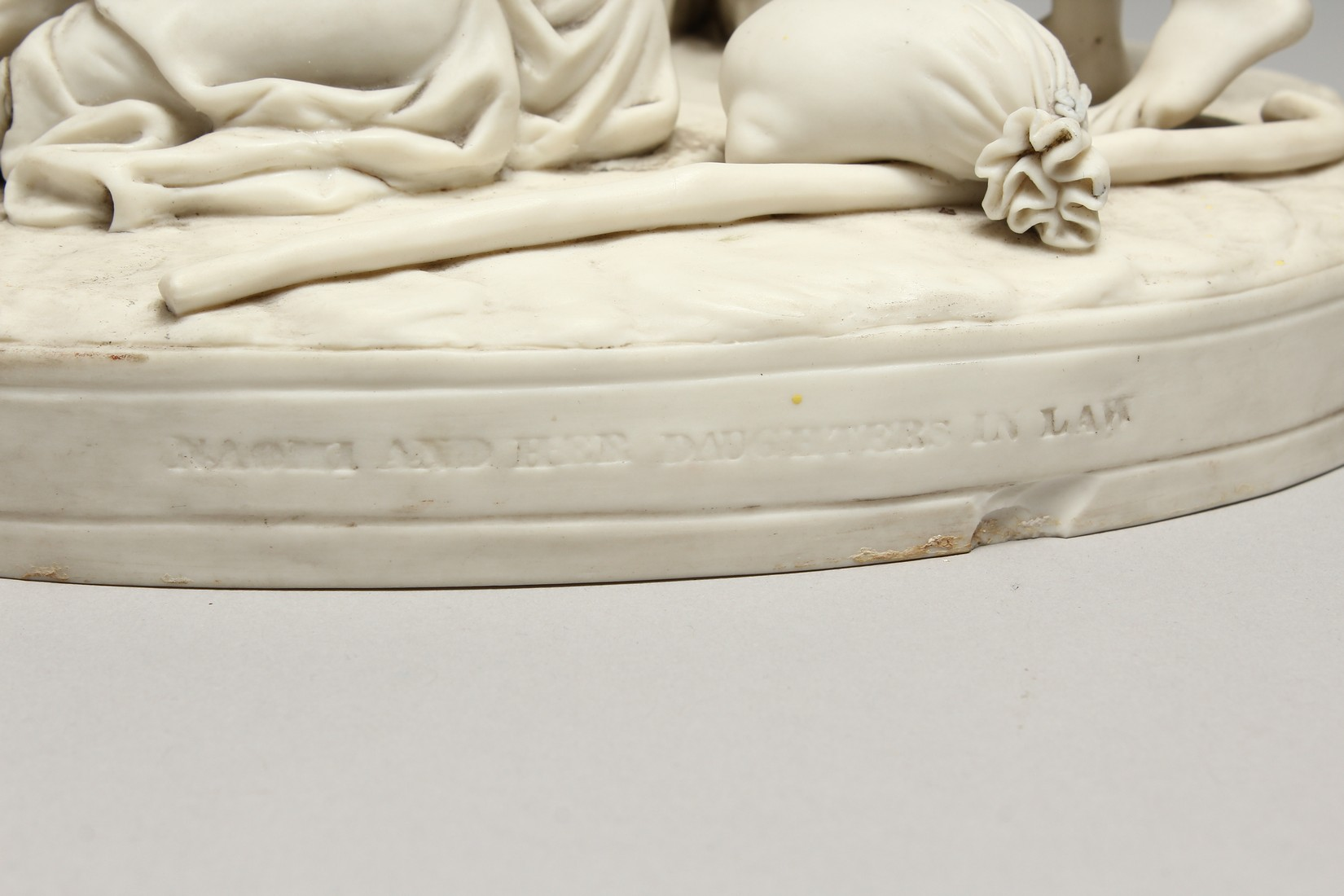 """A LATE 19TH CENTURY PARIAN WARE GROUP """"NAOMI AND HER DAUGHTER IN LAW"""". 13 ins high. - Image 4 of 8"""