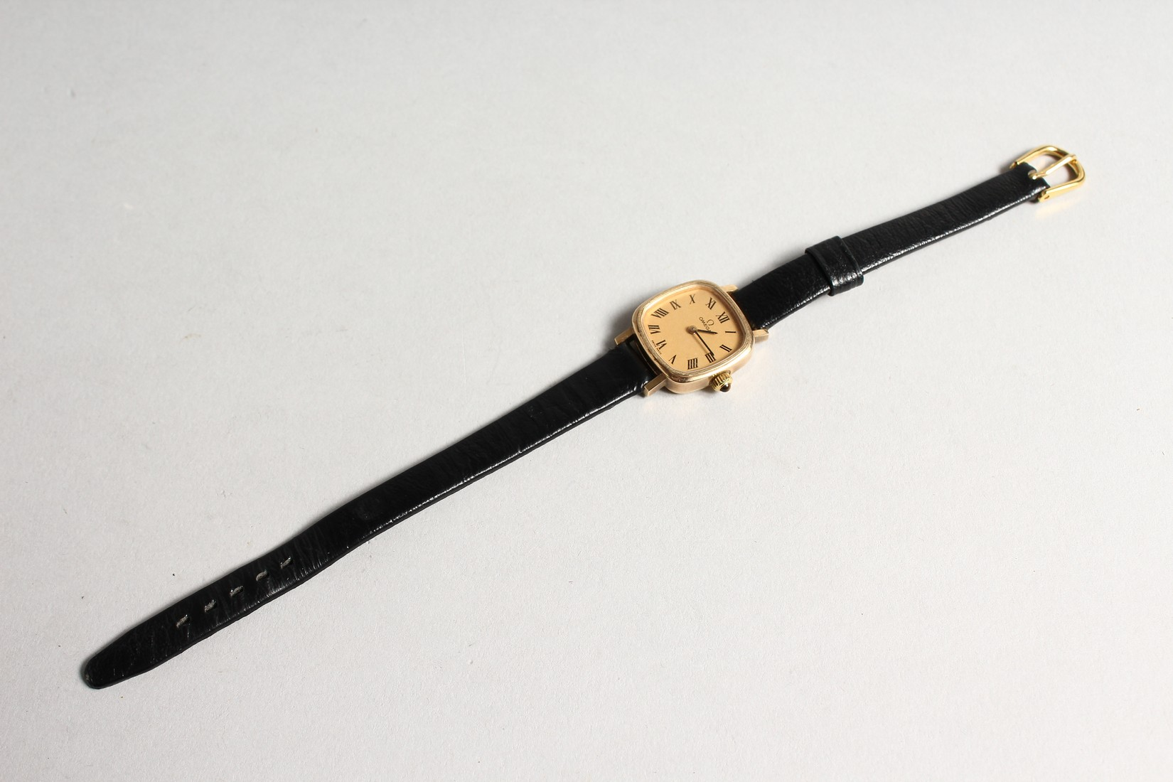 A LADIES VERY GOOD GOLD OMEGA WRIST WATCH with leather strap. - Image 2 of 4