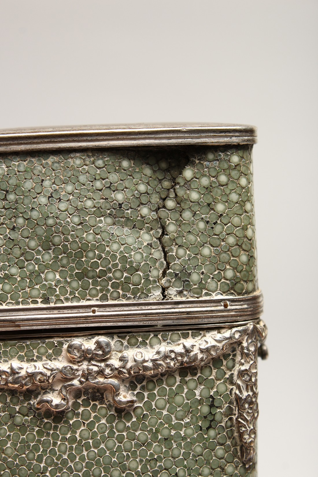A GEORGIAN WHISKY FLASK in a shagreen case, with silver garlands 6.5ins long (some damage). - Image 5 of 8