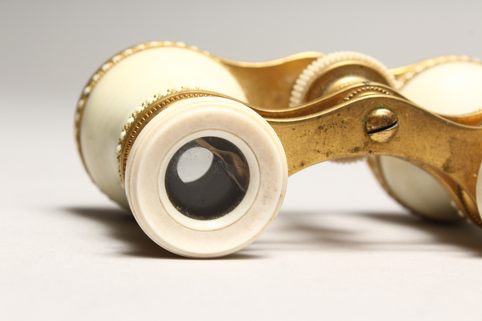 A PAIR OF IVORY AND GILT OPERA GLASSES 4.6ins long. - Image 4 of 6