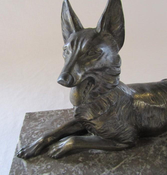 Art Deco bronze figure of a recumbent Alsatian dog on a marble base L 32 cm H 21 cm - Image 2 of 4