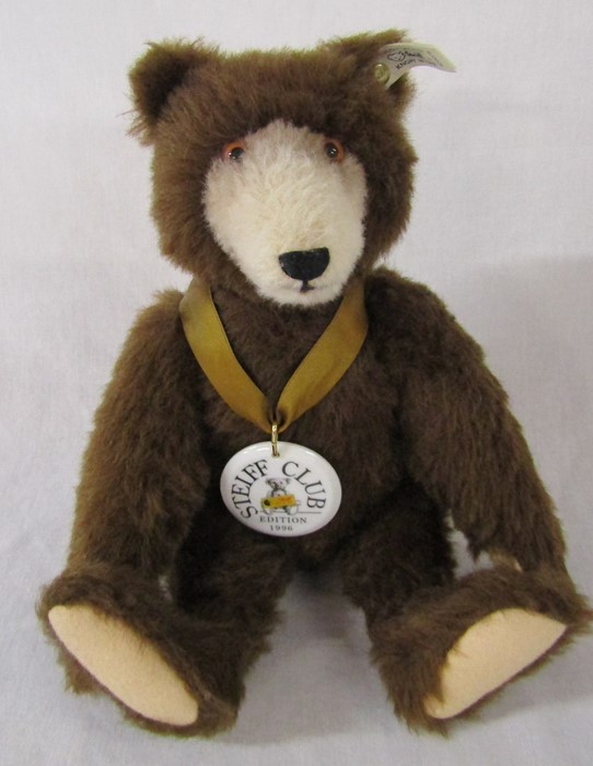 Steiff Club edition 1996 teddy bear, reproduction of Dicky Braunbar 1935, L 32 cm, complete with - Image 2 of 2