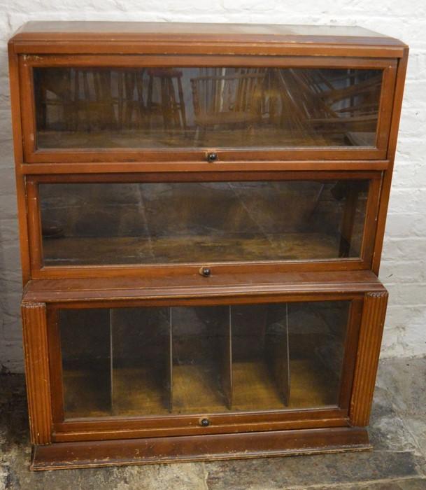 Globe Wernicke style bookcase Ht 108cm W 90cm