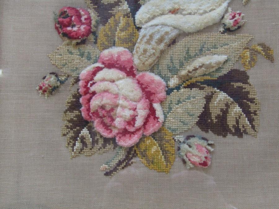 Large needlepoint still life of flowers 56 cm x 56 cm (size including frame) - Image 3 of 3