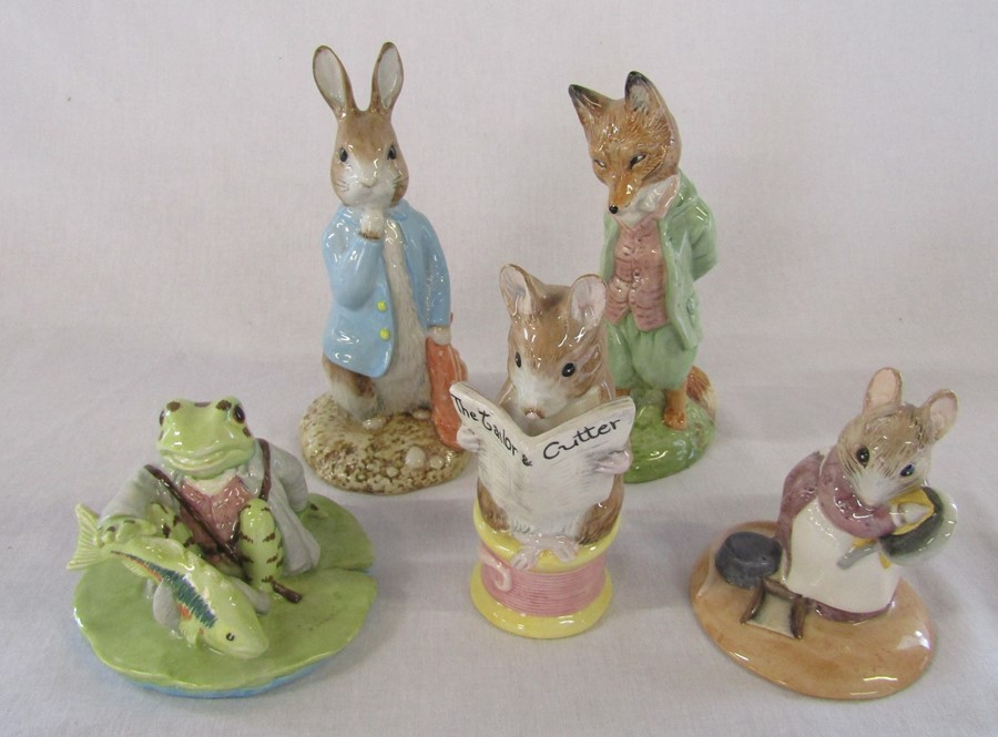 5 large Beswick and Royal Albert Beatrix Potter figurines - Jeremy Fisher catches a fish L 11 cm,