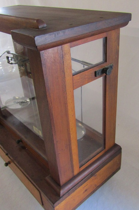 Victorian cased set of Townson & Mercer Ltd 34 Camomile Street London EC3 precision scales H 44 cm - Image 4 of 5