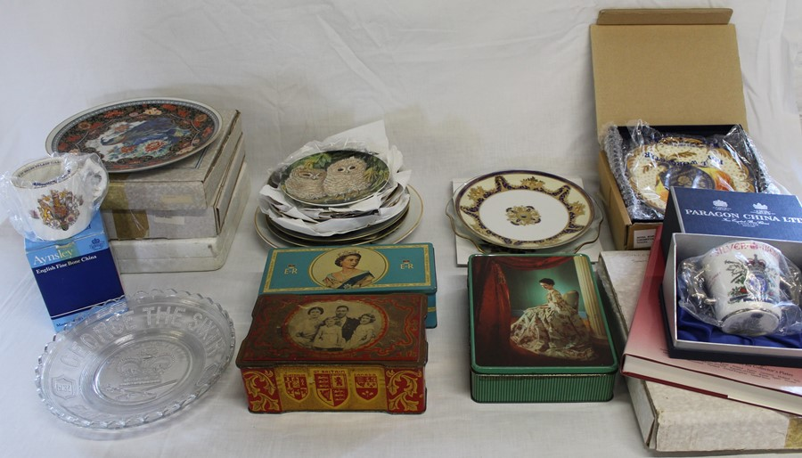 Selection of commemorative ware including tins, Royal Worcester 50th Anniversary Queen Elizabeth