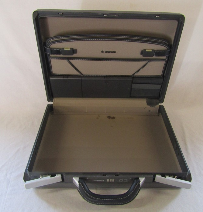 Samsonite combination brief case 45 cm x 34 cm (excluding handle)