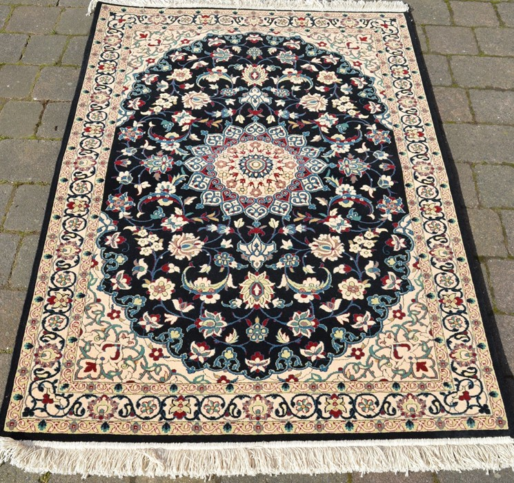 Fine woven full pile rug with black field & floral medallion 150cm x 100cm - Image 2 of 2