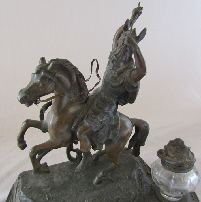 A French early 20th century spelter ink stand / desk stand of a hunting man on horseback signed A - Image 2 of 7