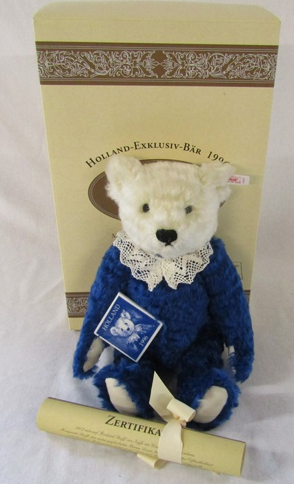 Steiff Holland Delfter teddy bear, white and blue, L 32 cm, 1996, limited edition 335/1500