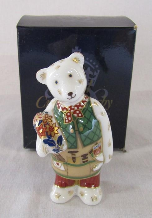 Boxed Royal Crown Derby gardener teddy bear paperweight H 9.5 cm