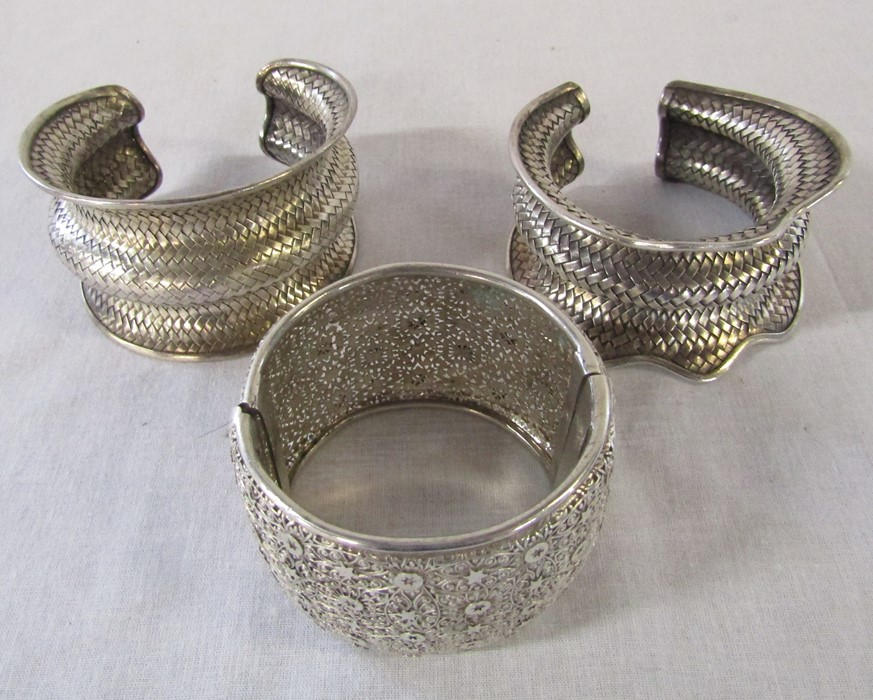 3 white metal bracelets, total weight 208.8 g /6.71 ozt - Image 2 of 2