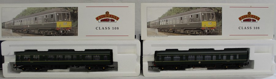 Bachmann Branch-Line boxed OO gauge 32-900A class 108 2 car DMU set BR Green with speed whiskers - Image 2 of 2