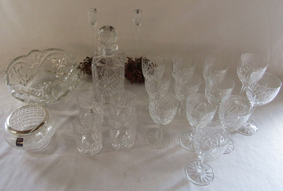Selection of glass ware inc decanter, 10 crystal wine glasses, fruit bowl and whisky tumblers