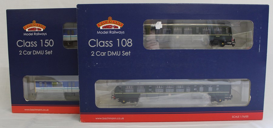 Bachmann Branch-Line boxed OO gauge 32-900B Class 108 Two Car DMU set BR Green with speed whiskers &