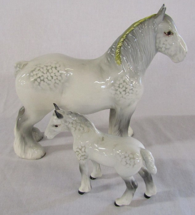 Beswick large dapple grey shire horse H 21 cm with foal (foal af)