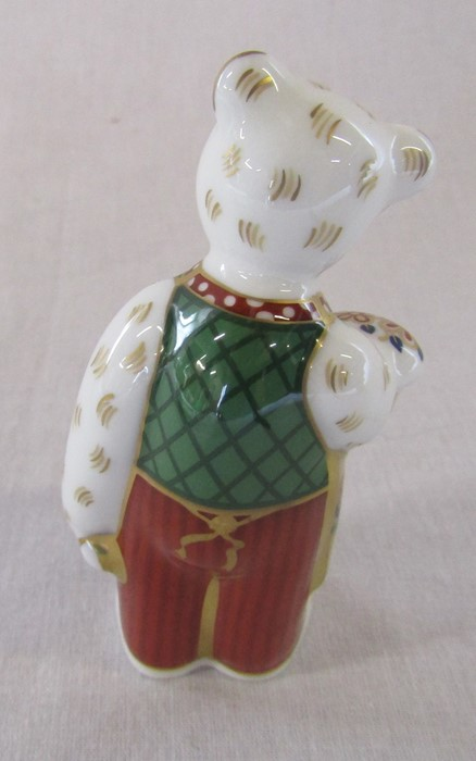 Boxed Royal Crown Derby gardener teddy bear paperweight H 9.5 cm - Image 3 of 4
