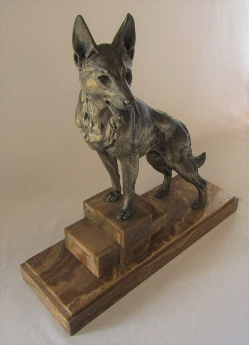 Art Deco bronze of an Alsatian dog on a raised marble base, signed L Carvin L 41.5 cm H 44 cm - Image 4 of 5