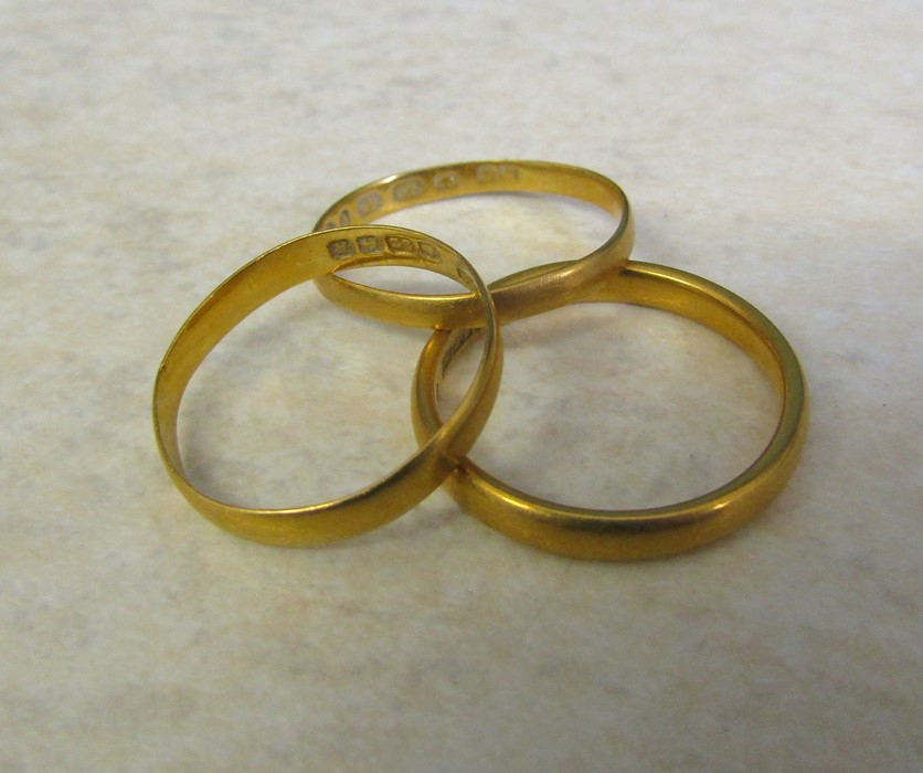 3 22ct gold band rings, size M, N and O, total weight 6.7 g