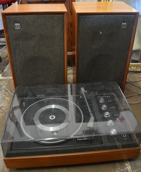 Dynatron Garrard record player with 2 speakers