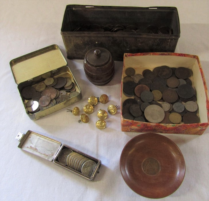 Assorted coins, treen, and Royal Mail buttons etc