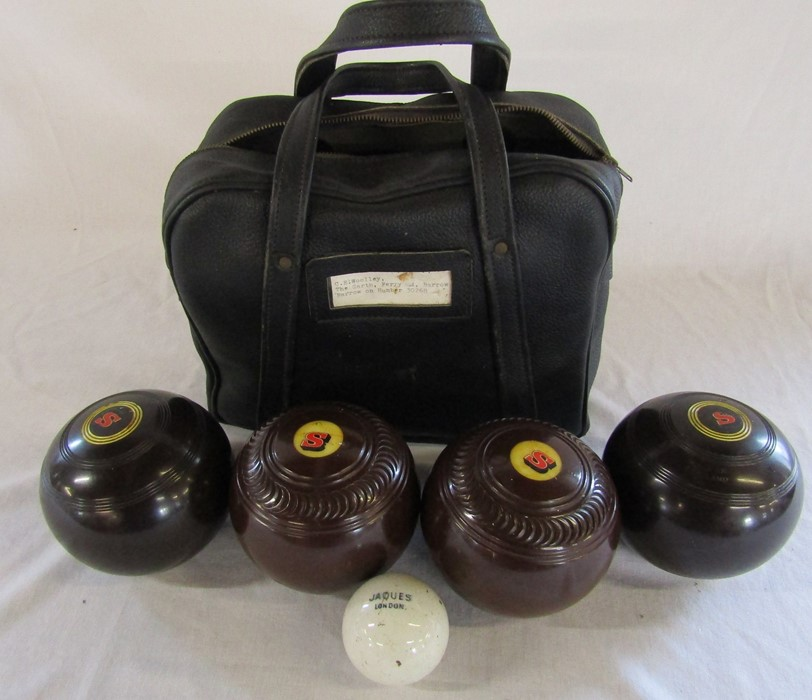 Set of bowls (2 Tyrolite by Taylor-Rolph, 2 by Thomas Taylor), jack and bag