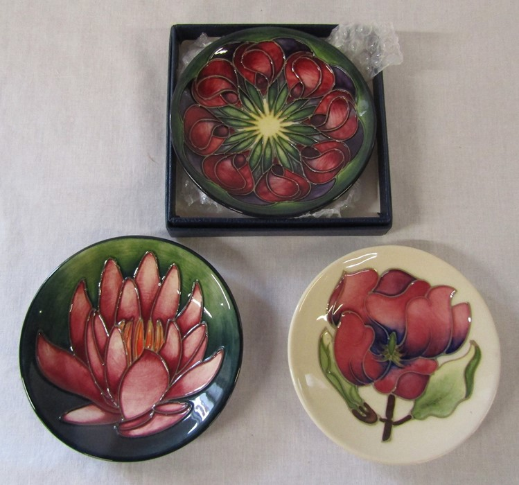 3 Moorcroft pin dishes (one boxed) inc magnolia and Mackintosh roses patterns D 12 cm - Image 3 of 3