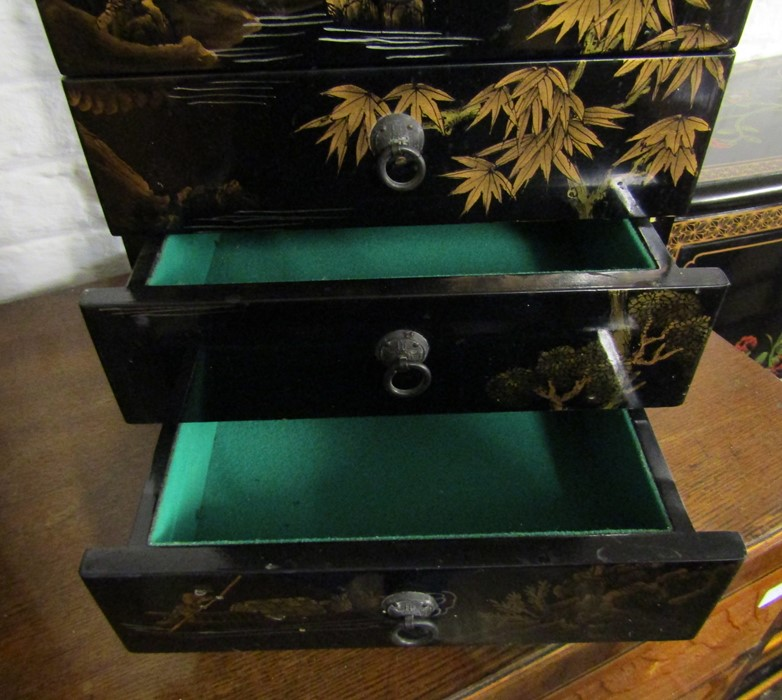 Small Oriental lacquer 5 draw cabinet / jewellery box H 48 cm L 30 cm D 25.5 cm & a cabinet with - Image 5 of 12