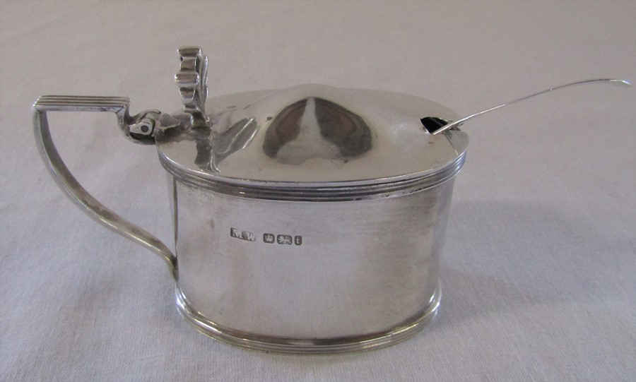 Silver mustard pot and spoon Sheffield 1901 (spoon London 1855) weight excluding glass liner 3.14