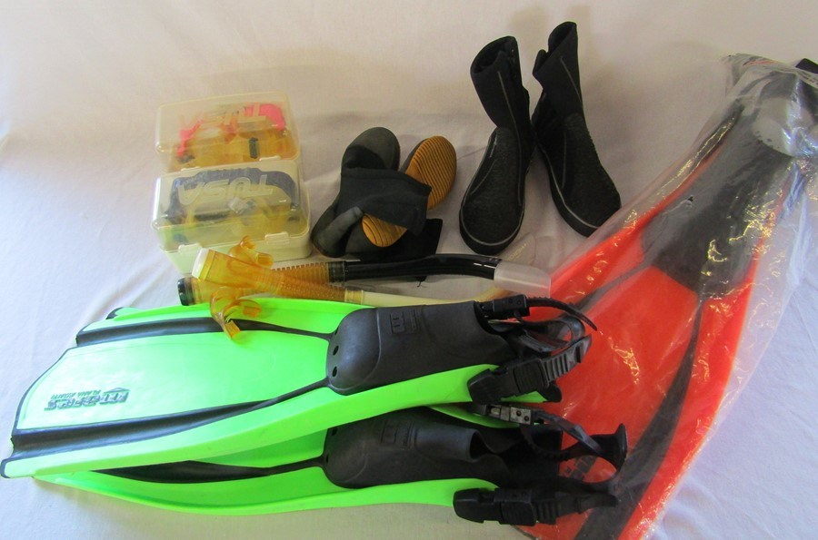 Assorted scuba diving gear inc flippers, masks, snorkels and boots