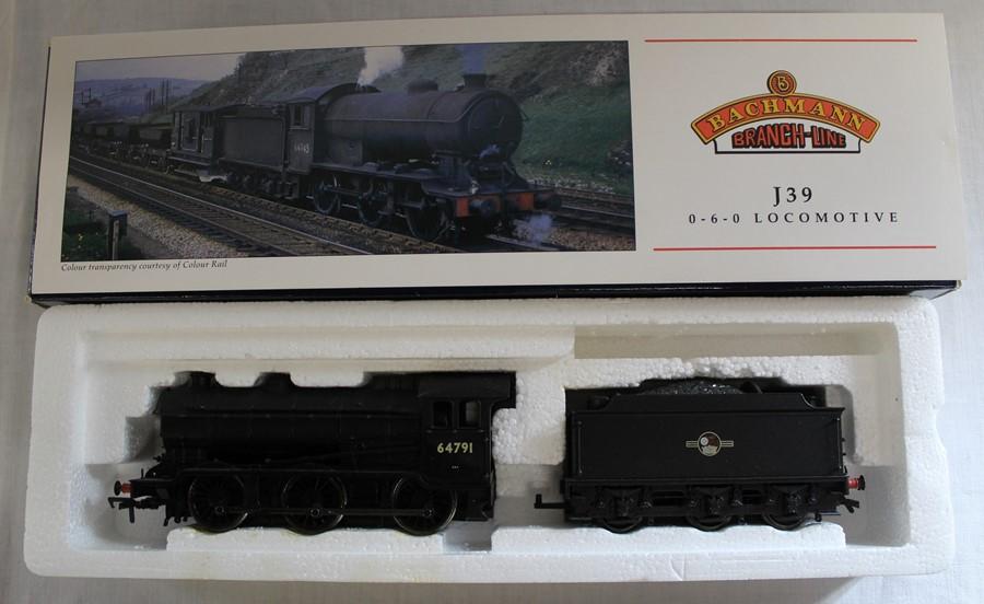 Bachmann Branch-Line boxed OO gauge J39 locomotive & tender 31-862 539 64791 BR black L/Crest
