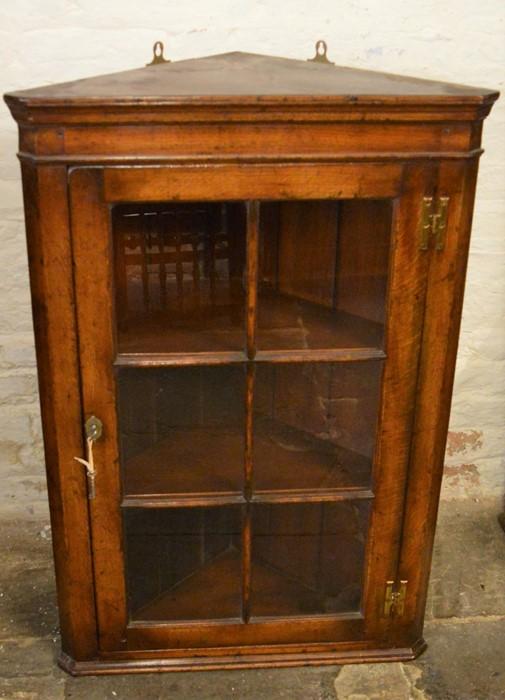 Titchmarsh & Goodwin glazed oak corner cupboard (2020 Retail Price List £2060) Ht 97cm W 65cm