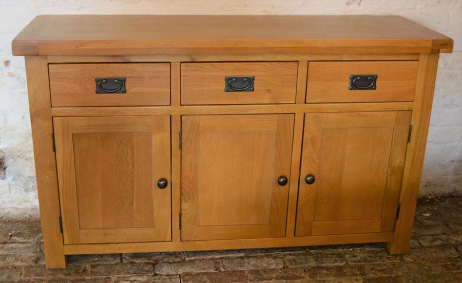Modern oak sideboard L139cm D 43cm Ht 84cm