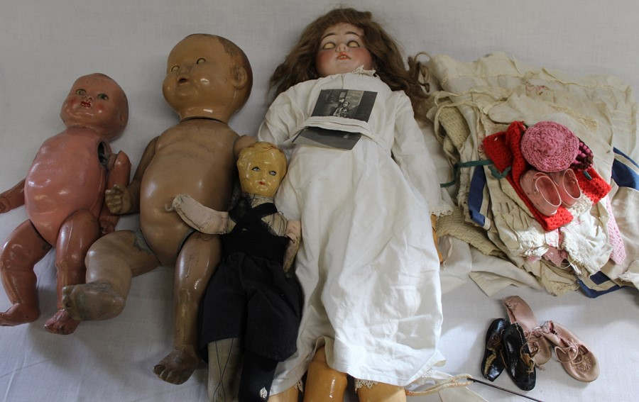 Large Armand Marseille bisque head doll with composition body (1 lower limb un-strung) sleeping eyes