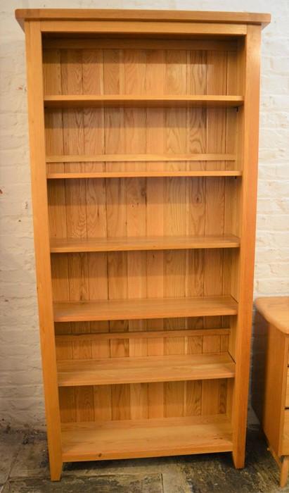 Tall modern oak bookcase H 198cm L 96cm D 31cm