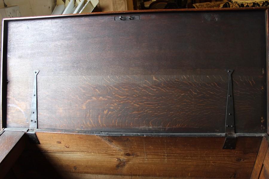 Georgian oak mule chest on bracket feet L 123cm D 55cm Ht 82cm - Image 8 of 18