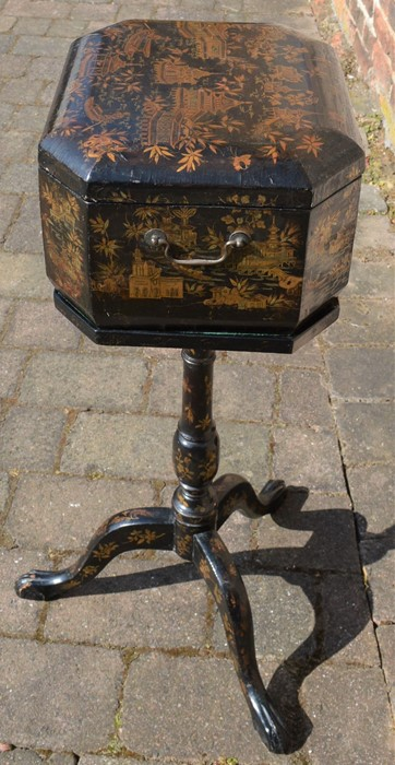 Lacquer teapoy/box on pedestal tripod stand with gilded decoration - Image 5 of 5