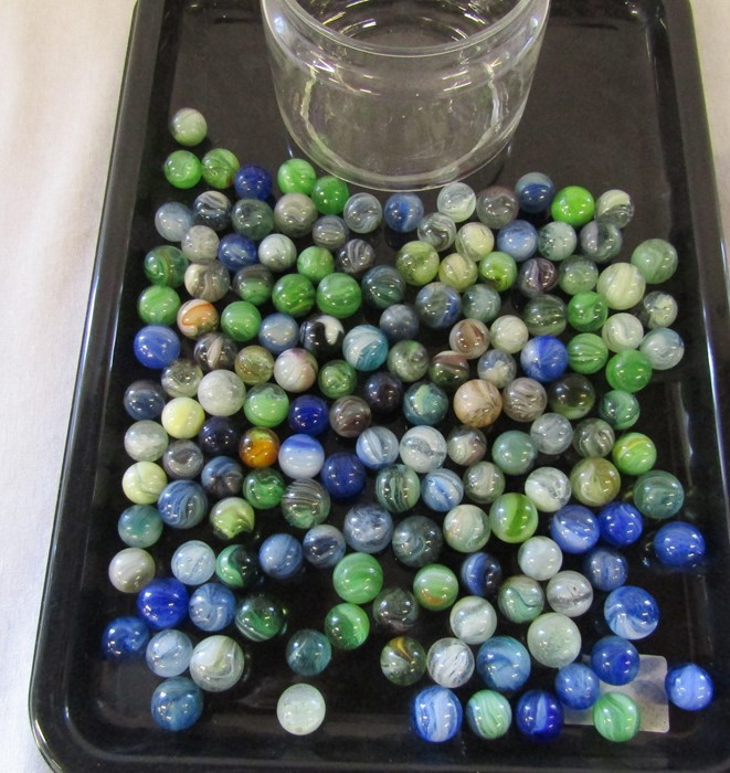 Selection of assorted marbles inc some early examples - Image 6 of 6