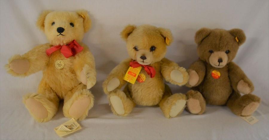 3 modern Steiff teddy bears, Classic Teddybar, Brummbar & Petsey
