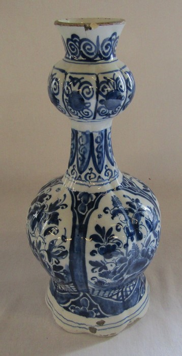 Maiolica wet drug apothecary jar H 18.5 cm (extensively restored) and a Delft ware double gourd / - Image 4 of 13