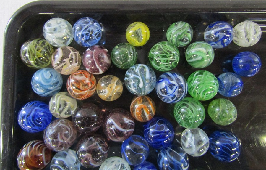 Jar of assorted sized marbles, largest size 2.5 cm - Image 3 of 4