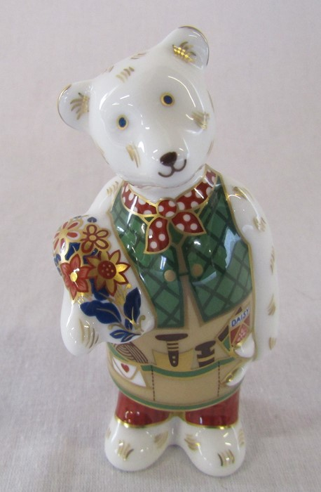 Boxed Royal Crown Derby gardener teddy bear paperweight H 9.5 cm - Image 2 of 4