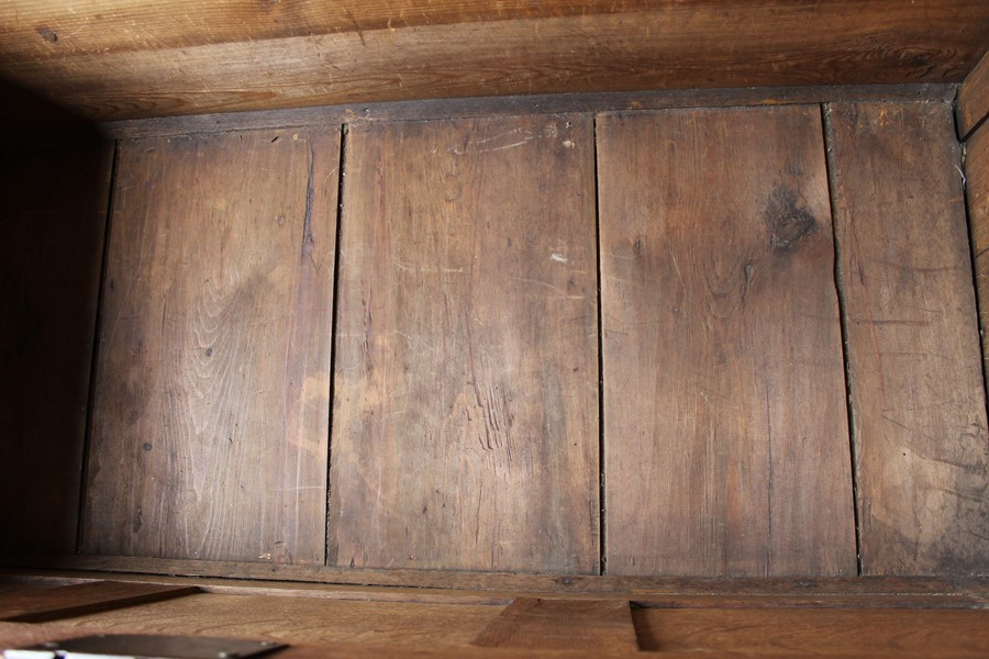 Georgian oak mule chest on bracket feet L 123cm D 55cm Ht 82cm - Image 10 of 18
