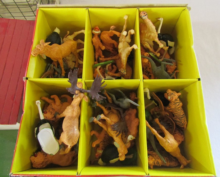 Box of Britains plastic toy zoo animals and a Wendal wooden zoo - Image 3 of 3