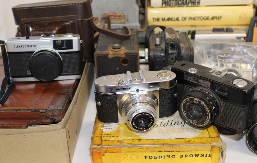 Selection of cameras, tripods, books on photography, Johnson Exactum postcard printer, Brownies, - Image 2 of 5