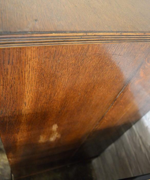 Georgian oak chest of drawers with ebony stringing & walnut veneer to top panel Ht 111cm L 106cm D - Image 2 of 2