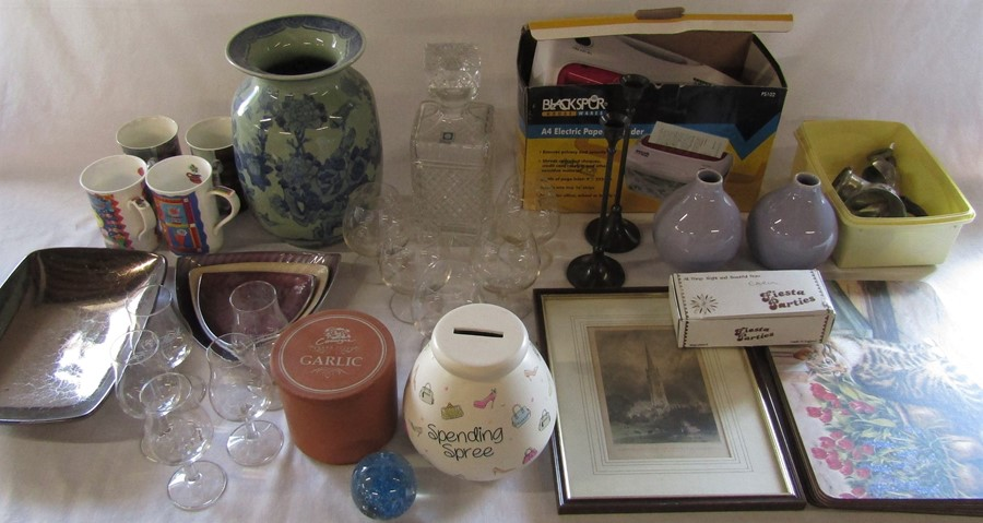 Various ceramics, engraving of Louth, paper shredder, glass ware and table mats etc